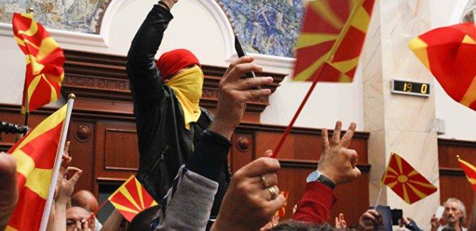 Makedonya kaosa sürükleniyor