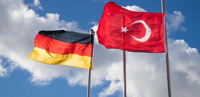 Berlin: İdam referandumuna izin vermeyiz