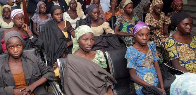 Boko Haram'ın 3 yıl önce kaçırdığı kız çocuklarından 82'si, bin 119 günlük esaretin ardından serbest bırakıldı.