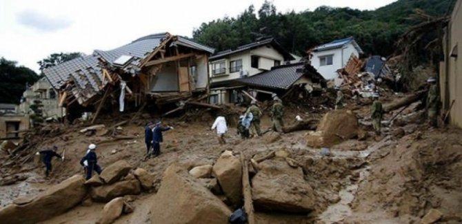 Çin'de heyelan: 172 ev yıkıldı