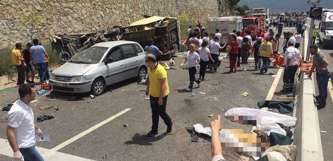 Marmaris'te tur otobüsü devrildi; en az 20 ölü