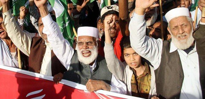 Pakistan'da DEAŞ karşıtı gösteri düzenlendi