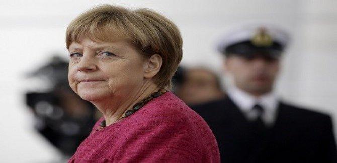 Merkel yine kazandı