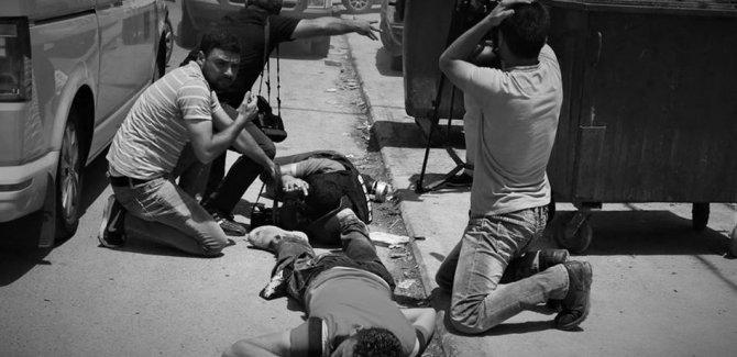Siyonistler Esirlere Destek Verenlere Saldırdı