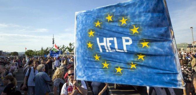 """Macaristan'da """"akademik özgürlük"""" protestosu"""