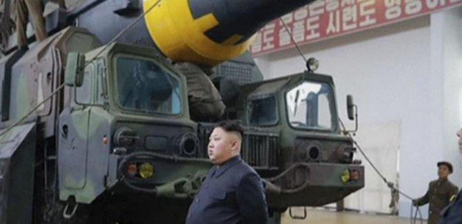 Füzeleri test ettiren Kim'den seri üretim talimatı