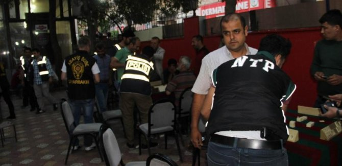 Diyarbakır'da 1400 polisle operasyon