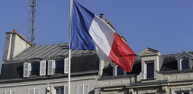 Fransa'da olağanüstü hal 6. kez uzatılacak
