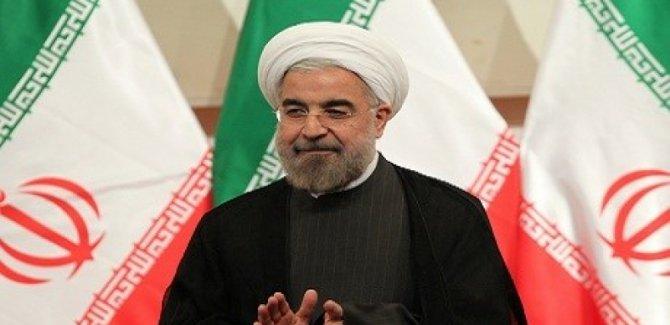 Ruhani'ye, 'Kürtlere verdiğin sözleri yerine getir' çağrısı