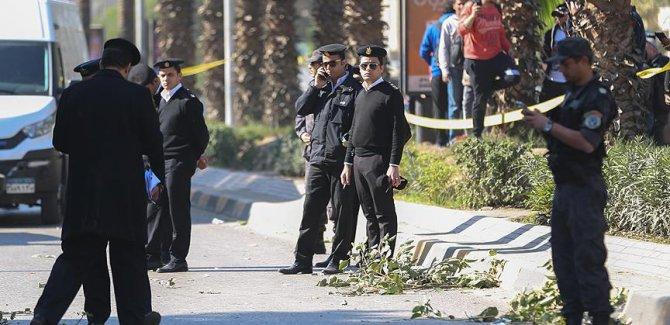 Mısır'da Kıptileri taşıyan otobüse silahlı saldırı: 23 ölü