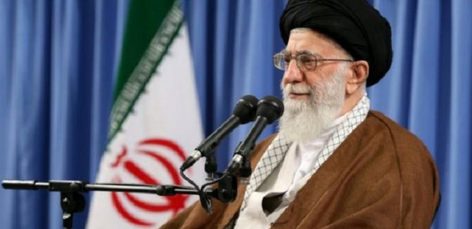 Ayetullah Hamaney: Suudi Arabistan, ABD için süt ineği gibi davranıyor