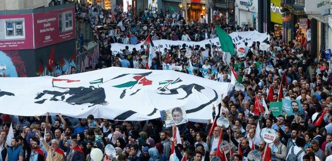 İHH'dan Mavi Marmara'nın yıl dönümünde yürüyüş