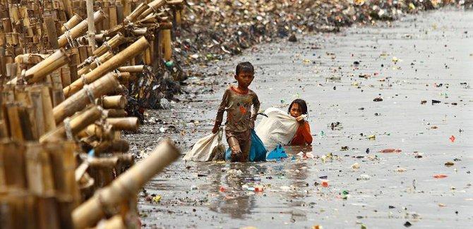 'Okyanuslardaki plastik çöpler 2050'de balıklardan fazla olacak'