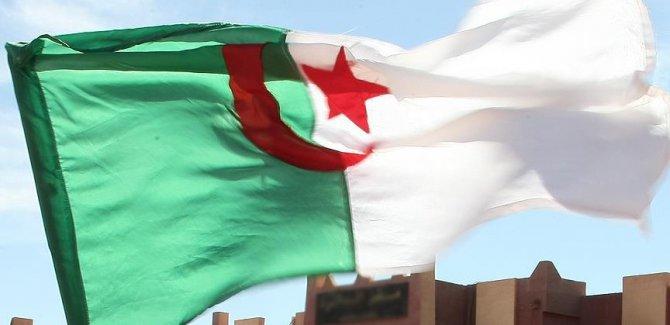 Cezayir'den Katar krizi için diyalog çağrısı