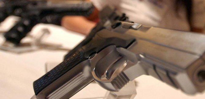 ABD'de silah firmasının 'İslamofobik' rozetine tepki