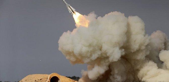 İran, Suriye'deki IŞİD karargahlarını vurdu