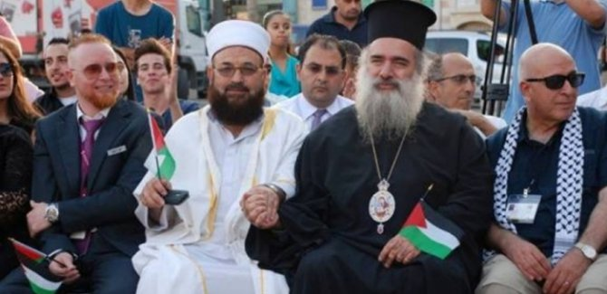 Kudüs Patriği: 80 Ülke birleşerek Suriye'ye komplo kurdu