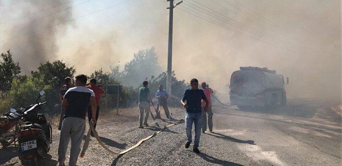 Alanya'da çıkan yangın villalar bölgesine sıçradı