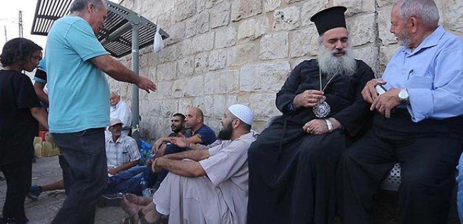 Arapların Yanlız Bıraktığı Aksa'ya Kudüs'teki kiliselerden Destek