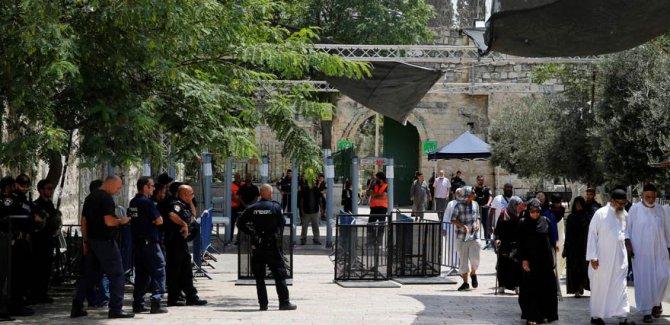 Mescid-i Aksa'ya Dedektörlerden Sonra CCTV Kameraları