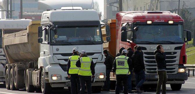 İstanbul'da rüşvet iddiasıyla 60 polis gözaltında