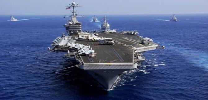 ABD donanmasından, İran botuna ateş