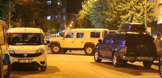 Diyarbakır'da emniyet müdürlüğü binasına saldırı