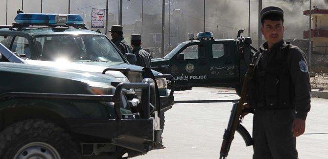 Taliban askeri kampa saldırdı:33 ölü
