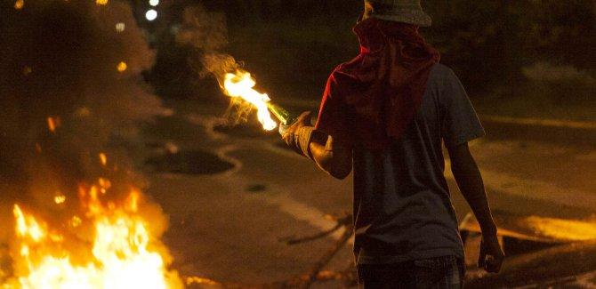Venezuela'da çatışmaların gölgesinde seçim: En az 10 ölü