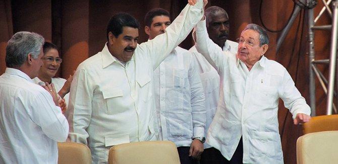 Castro'dan Maduro'ya: Militan dayanışmanın en ön saflarında davanıza inanan Kübalıları bulacaksınız