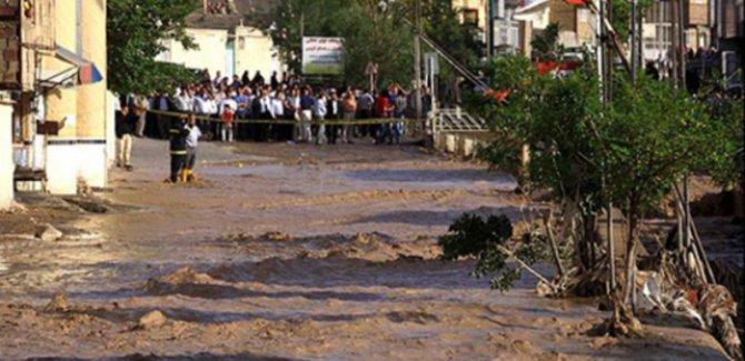 İran'da sel felaketi 11 can aldı