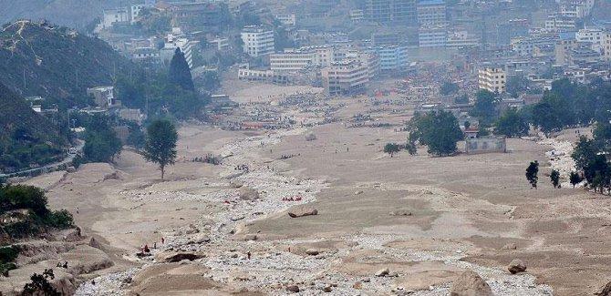 Nepal'de sel ve heyelanda en az 47 kişi öldü