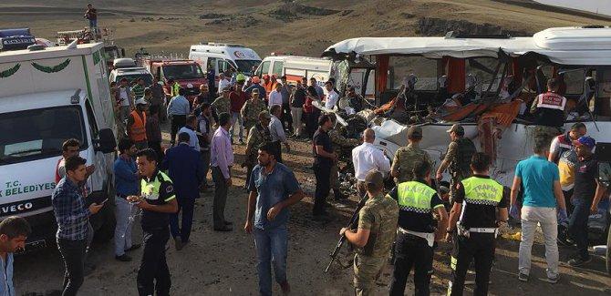 Ağrı'da trafik kazası: 8 ölü, 14 yaralı