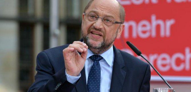 Schulz: Erdoğan iç işlerimize karışmasın