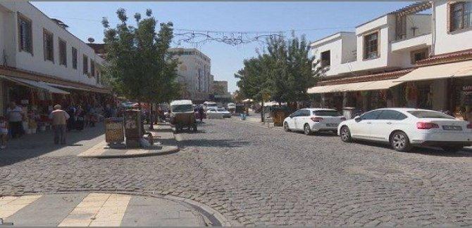 Bazara Sûr a Amedê ber bi nemanê ve diçe
