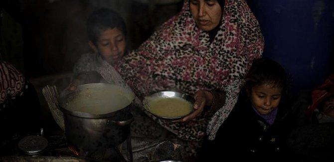 Gazze açlıkla pençeleşiyor