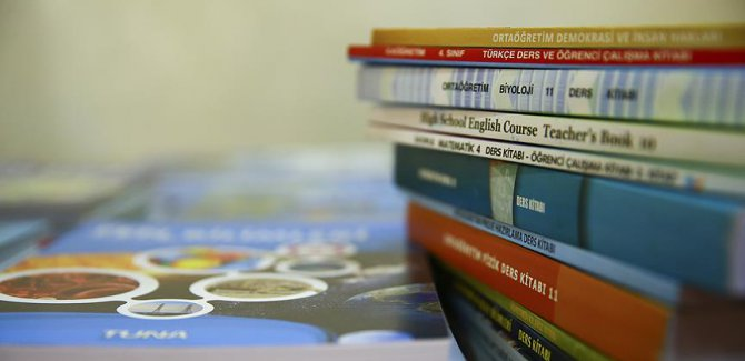 Öğrencilere 190 milyon ücretsiz ders kitabı dağıtılacak
