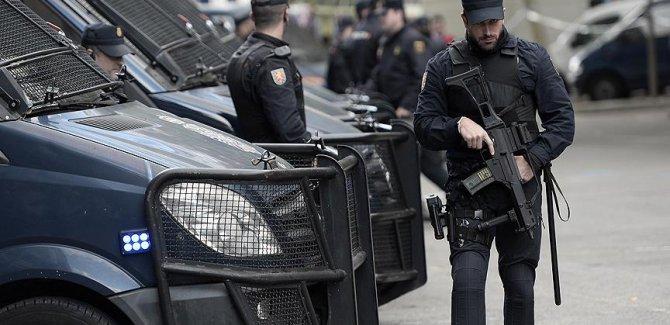 İspanyol jandarması Katalonya'da operasyon başlattı