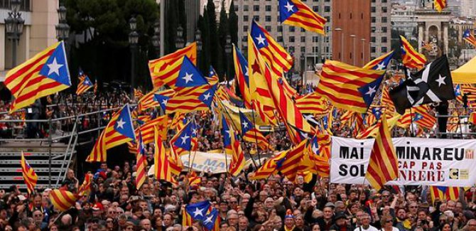 Katalanlar 1 Ekim'de bağımsızlık referandumuna gidiyor