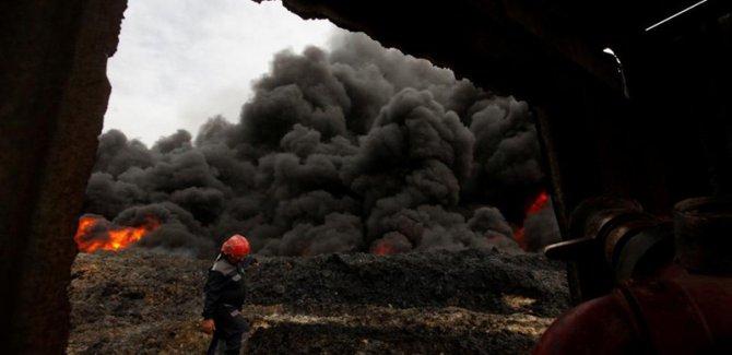 Havice'de İŞİD petrol kuyularını ateşe verdi