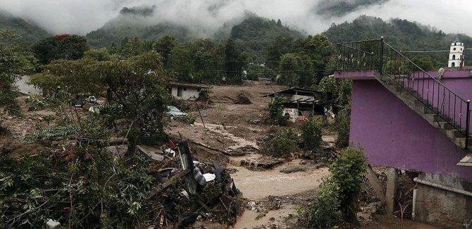 Vietnam'da sel ve toprak kayması: 37 ölü
