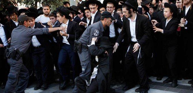 İsrail'de Askerlik Karşıtları Polisle Çatıştı