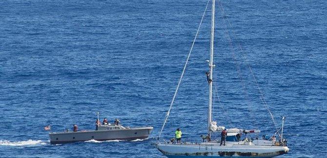 Okyanusta 5 ay mahsur kalan denizciler kurtarıldı