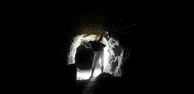Siyonist İsrail tünel patlattı:5 Filistinli hayatını kaybetti
