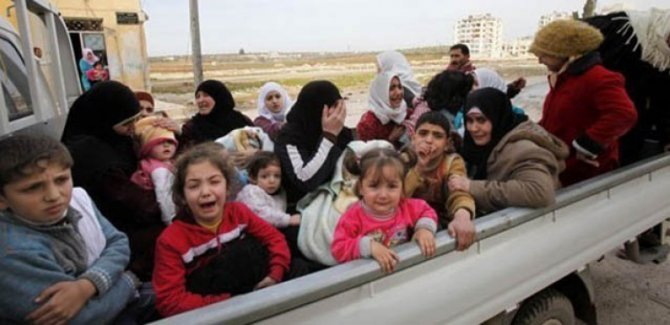 BM: Deyr ez-Zor'da 350 bin kişi evlerini terk etti