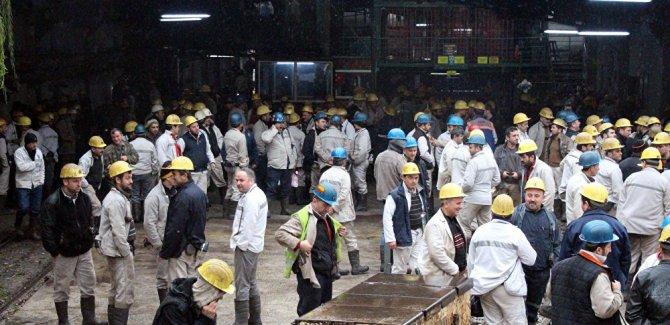 3 bin madenci, 'ocaktan çıkmama' eylemi yapıyor