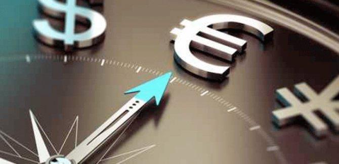 Dolar yükselişte, Euro'da yeni rekor kırdı