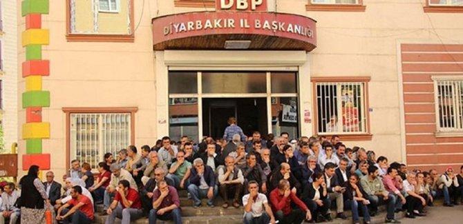 HDP'li Ziya Pir'e 'merdivende oturmaktan' fezleke