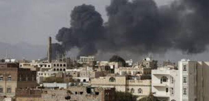Êrişa balafirên cengê yên siûdî ser medreseyekê li Yemenê