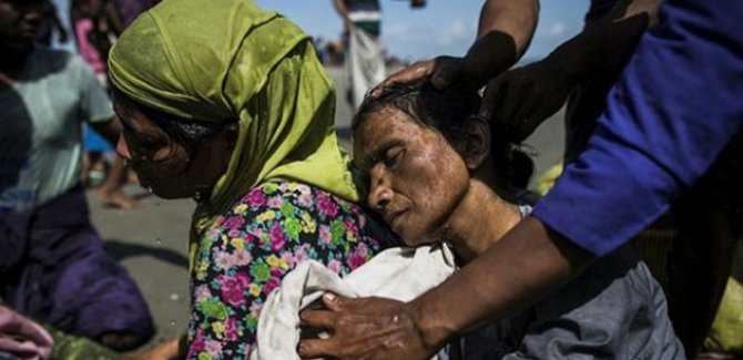 Arakanlı Müslümanlar Myanmar askerlerinin zulmünü anlattı